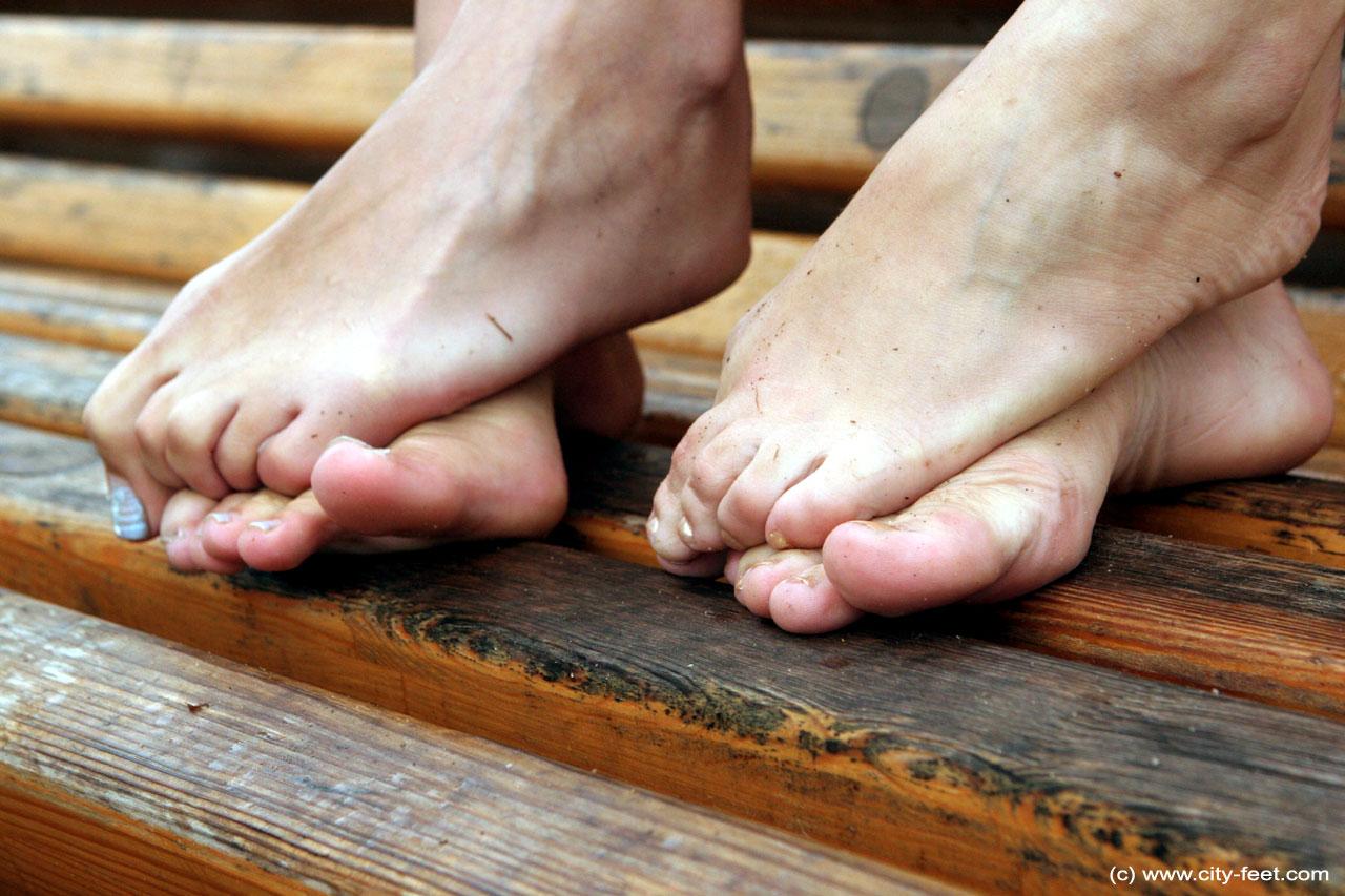 dirty feet girls com
